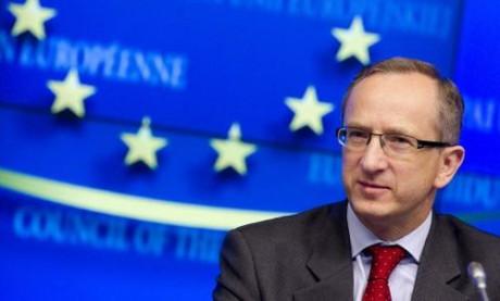 Томбинский подчеркнул значимость введения электронного декларирования для безвизового режима