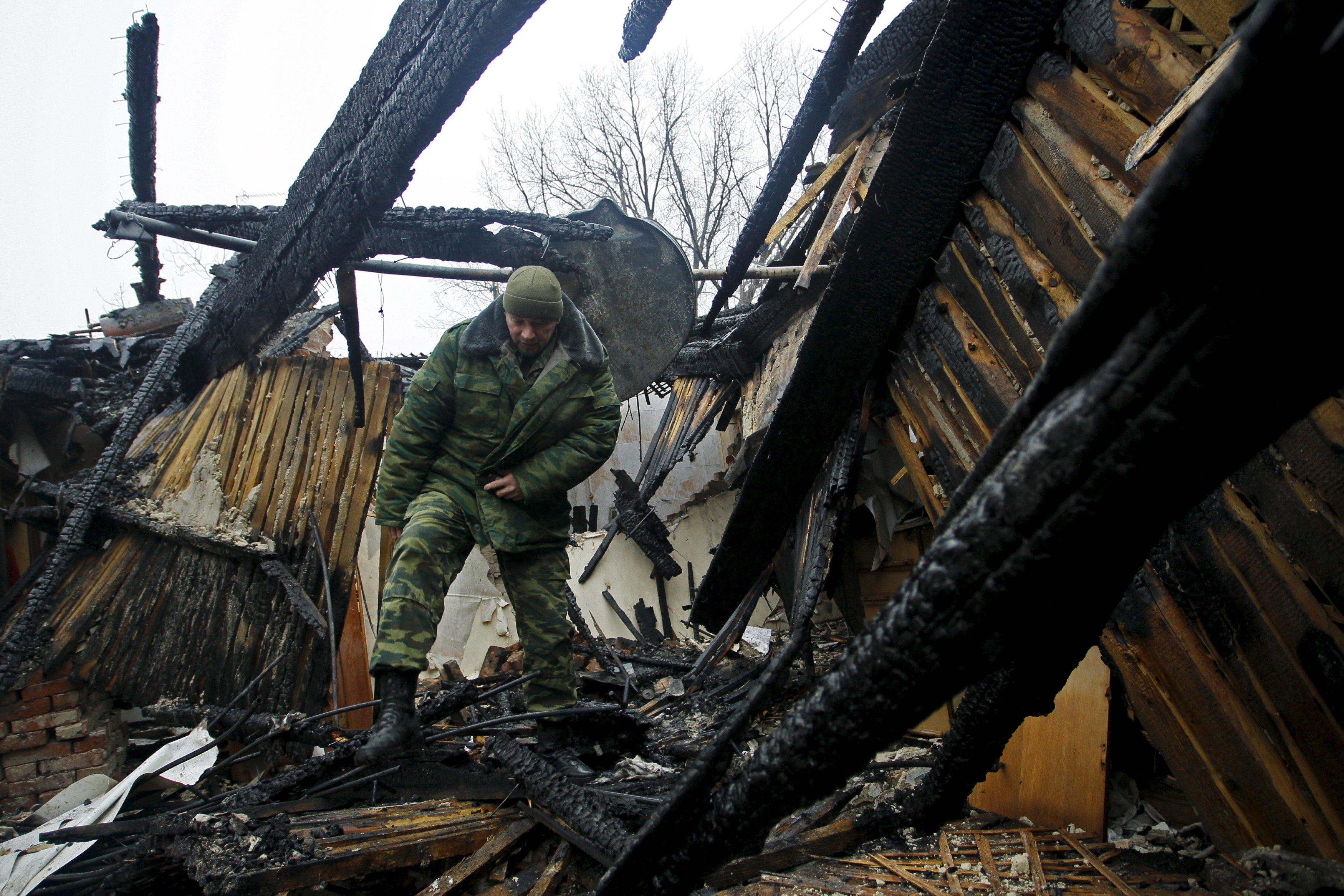 «Азов»: Боевики «ДНР» вернулись вКоминтерново после отъезда ОБСЕ