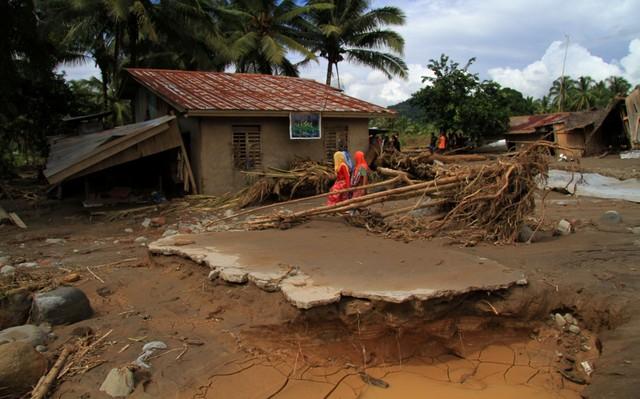 Число погибших тайфуна наФилиппинах выросло до 240 человек