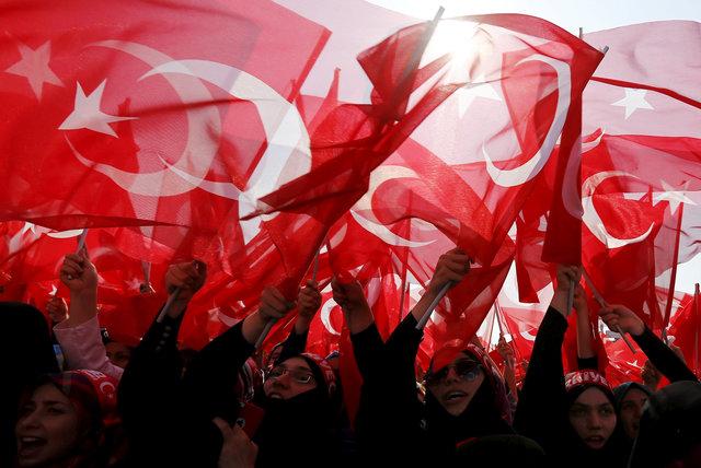 Турция грозит Греции новым потоком мигрантов