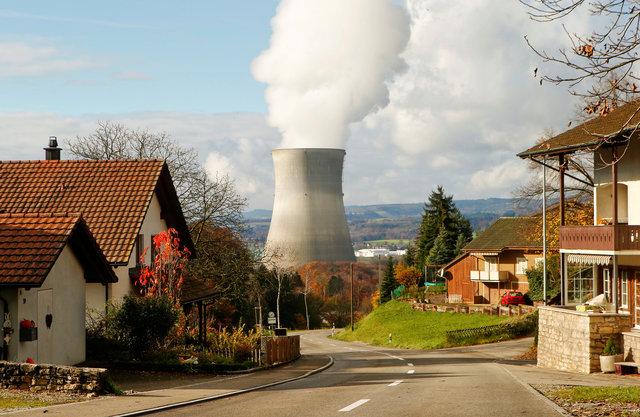 Швейцарцы неподдержали заблаговременное закрытие АЭС страны