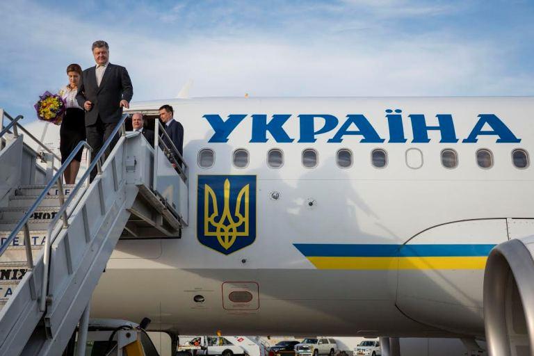 Президент Украины прибыл во Францию