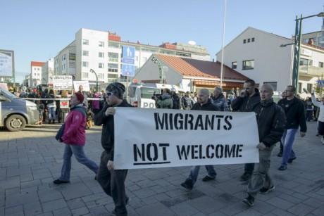 Мигранты десятками тыс. добровольно покидают Германию