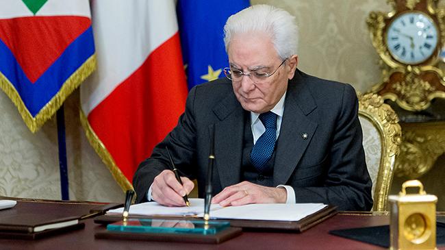 Джентилони объявил, что останется премьером Италии довыборов
