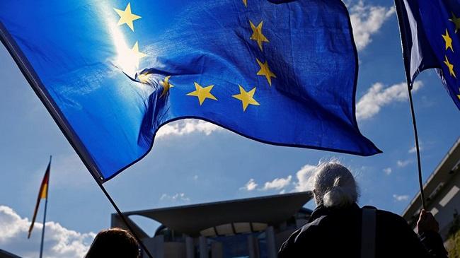 Безвизом с Евросоюзом воспользовались уже около 400 тысяч украинцев