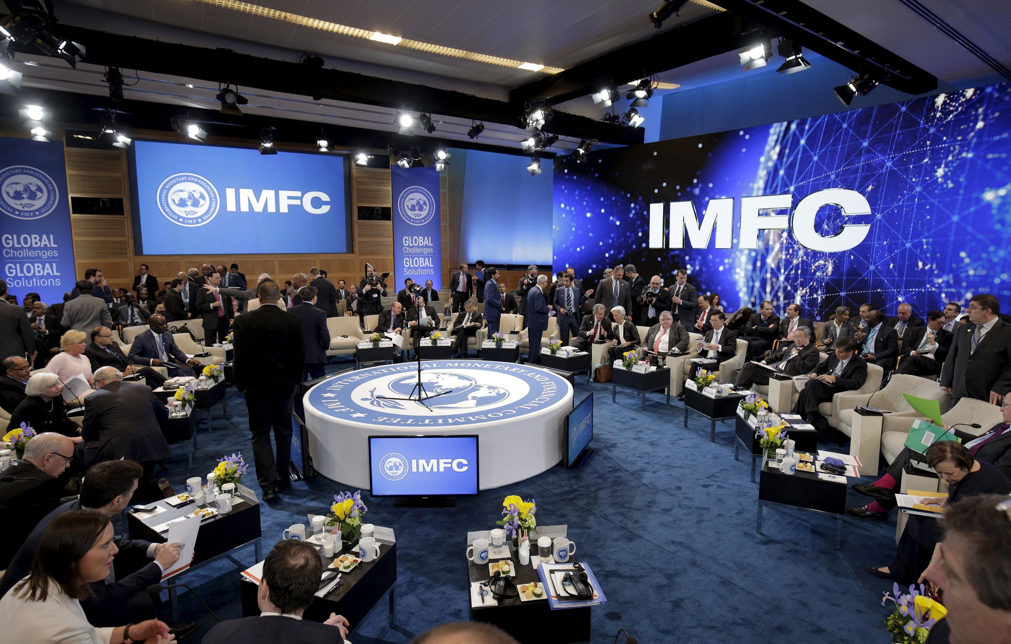 Саакашвили поведал о«поедании» кредитов МВФ вгосударстве Украина