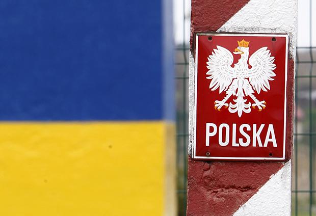 Накордоні України зПольщею вчергах стоять сотні автомобілів