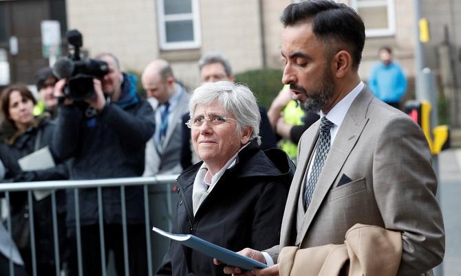 Экс-министр образования каталонских сепаратистов сдалась шотландской милиции