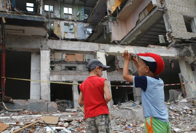 Кабмин Украины одобрил концепцию госпрограммы восстановления мира вДонбассе