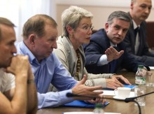 JUNE 23, 2014, DONETSK. MEETING OF THE TRILATERAL CONTACT GROUP UKRAINE-RUSSIA-OSCE AND REPRESENTATIVES OF THE SELF-PROCLAIMED DONETSK AND LUHANSK PEOPLE'S REPUBLICS. UKRAINE WAS REPRESENTED BY KUCHMA, RUSSIA BY AMBASSADOR ZURABOV, THE OSCE BY TAGLIAVINI. MEDVEDCHUK AND SHUFRYCH, WHO WERE PRESENT AT THE MEETING, WERE DELEGATED BY THE UKRAINIAN GOVERNMENT. THE PARTIES AGREED TO CEASE FIRE UNTIL JUNE 27, BUT ON THE NEXT DAY TERRORISTS CONTINUED ATTACKING THE POSITION OF UKRAINIAN FORCES / Reuters photo