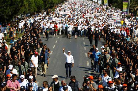 «Марш справедливости» вТурции продолжается миллионным митингом