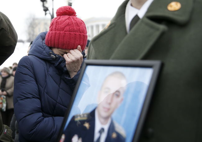 Президент вручив ордер на квартиру дружині загиблого Героя України Андрія Кизила